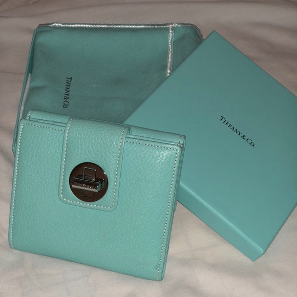 30a9014da1 Tiffany & Co. Bags | Tiffany Co Leather Turnlock Compact Wallet ...